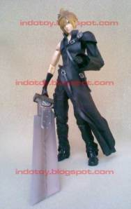 Jual Cloud Stife Final Fantasy VII - Play Art Advent Children Action Figure