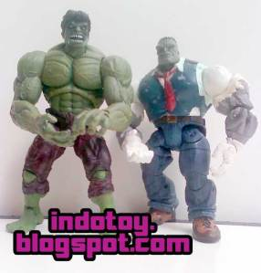 Jual Hulk Marvel  Legend & Hulk Joe Fix It Figure