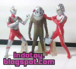 jual action figure ultraman